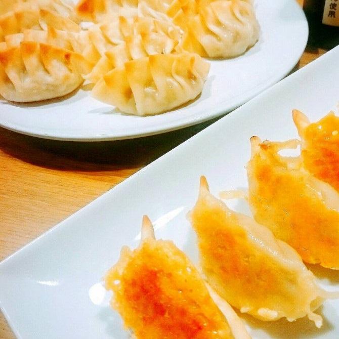 アレンジ 餃子 レシピ 冷凍餃子のおすすめアレンジまとめ!レンジで簡単な人気レシピも!